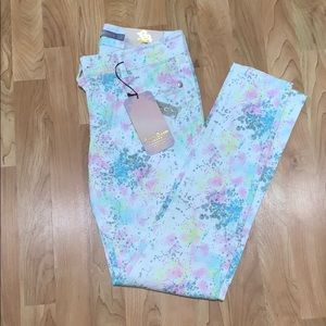 Booty Boom Jeans !! Amazing pants !! Size 5 💜💙💗